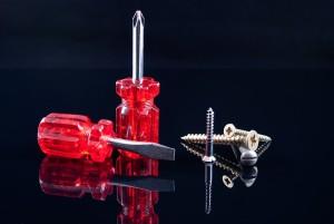 screwdrivers-1073515_960_720
