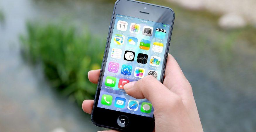 Apples Awards $390 Million to Manufacturer Finisar