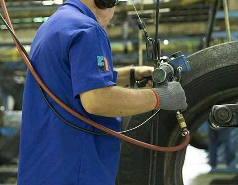 5 Tips to Protect Against MSDs in the Manufacturing Industry