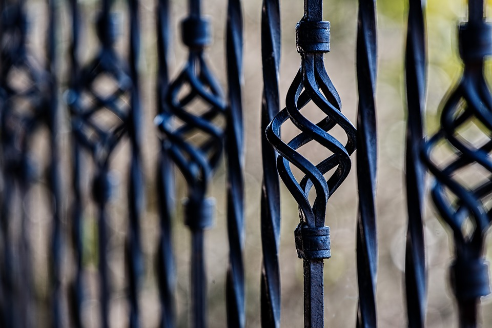Cast Iron vs Wrought Iron: What's the Difference? - Monroe Engineering
