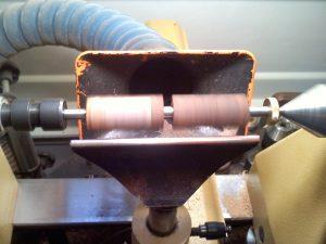 A picture of lathe machine.