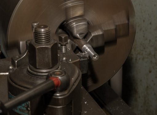 Turning vs Boring: Comparing These 2 Machining Processes