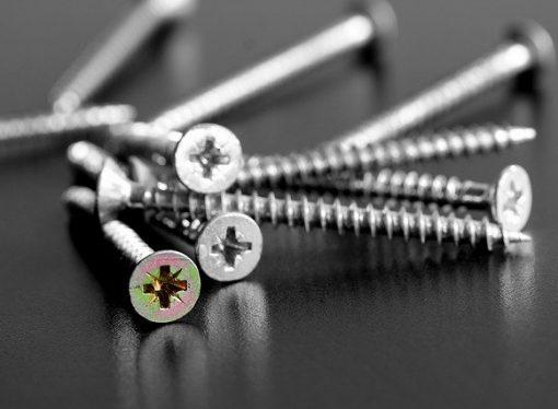 Self-Tapping Screws vs Traditional Screws